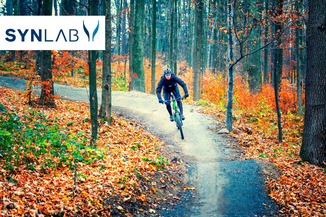 Mies-maastopyöräilemässä-syksyllä